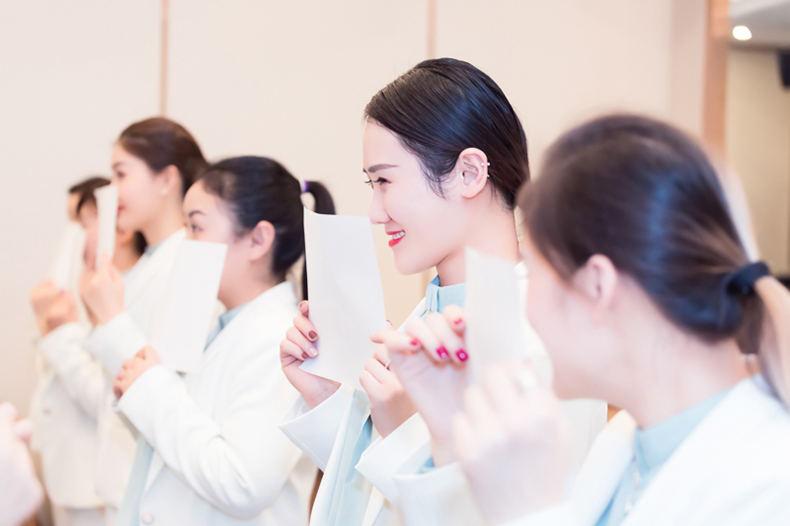 27修齐礼仪青少年礼仪培训师培训课程微笑礼仪训练.jpg