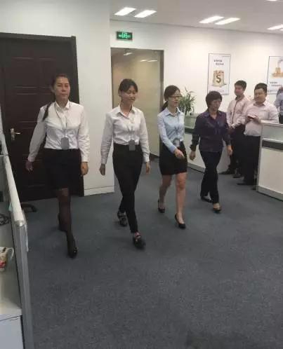 上海融腾金融集团《高端商务礼仪》培训圆满结束