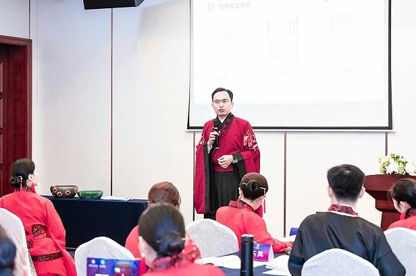 修齐礼仪高级礼仪培训师认证班王新老师授课现场照片