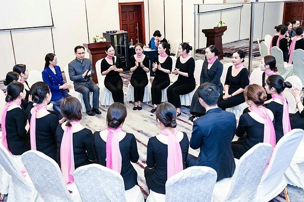 礼仪培训师培训班之形体礼仪培训