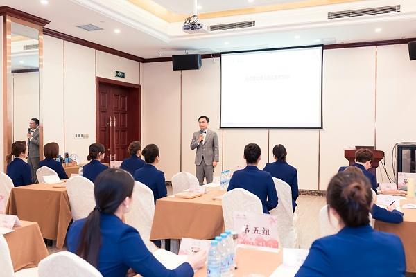 修齐礼仪礼仪师培训课程王新老师授课照片