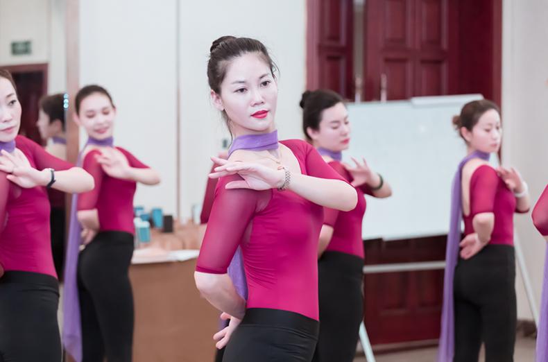50修齐礼仪行为美学优雅仪态形体礼仪培训班课程精彩