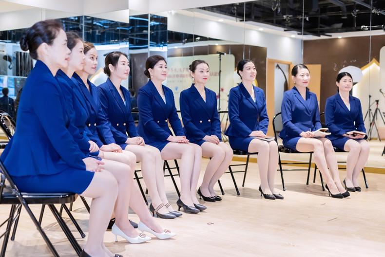 61修齐礼仪行为美学优雅仪态形体礼仪培训班课程精彩.png