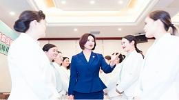 《礼仪师学习指南》女性从事礼仪培训行业有明显的优势,你知道吗?